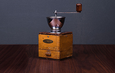 Antique coffee bean grinder 02