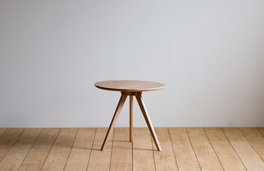 Viento. side table 02