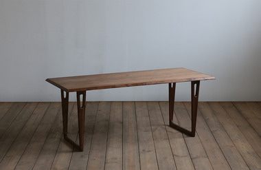 Curvo. sofa table 02