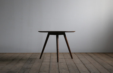 Curvo. side table 03