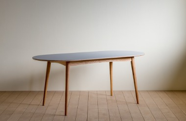 Lin. oval table_01_1800