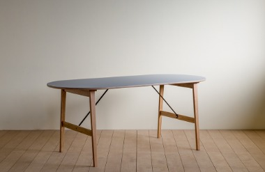 Lin. oval table_02_1800